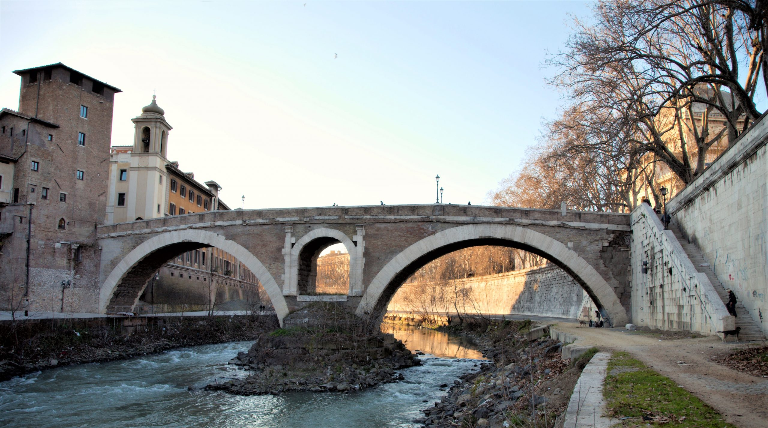 Fabricius's Bridge, which is ancient, leads to Rome's Ghetto or Jewish Comunity