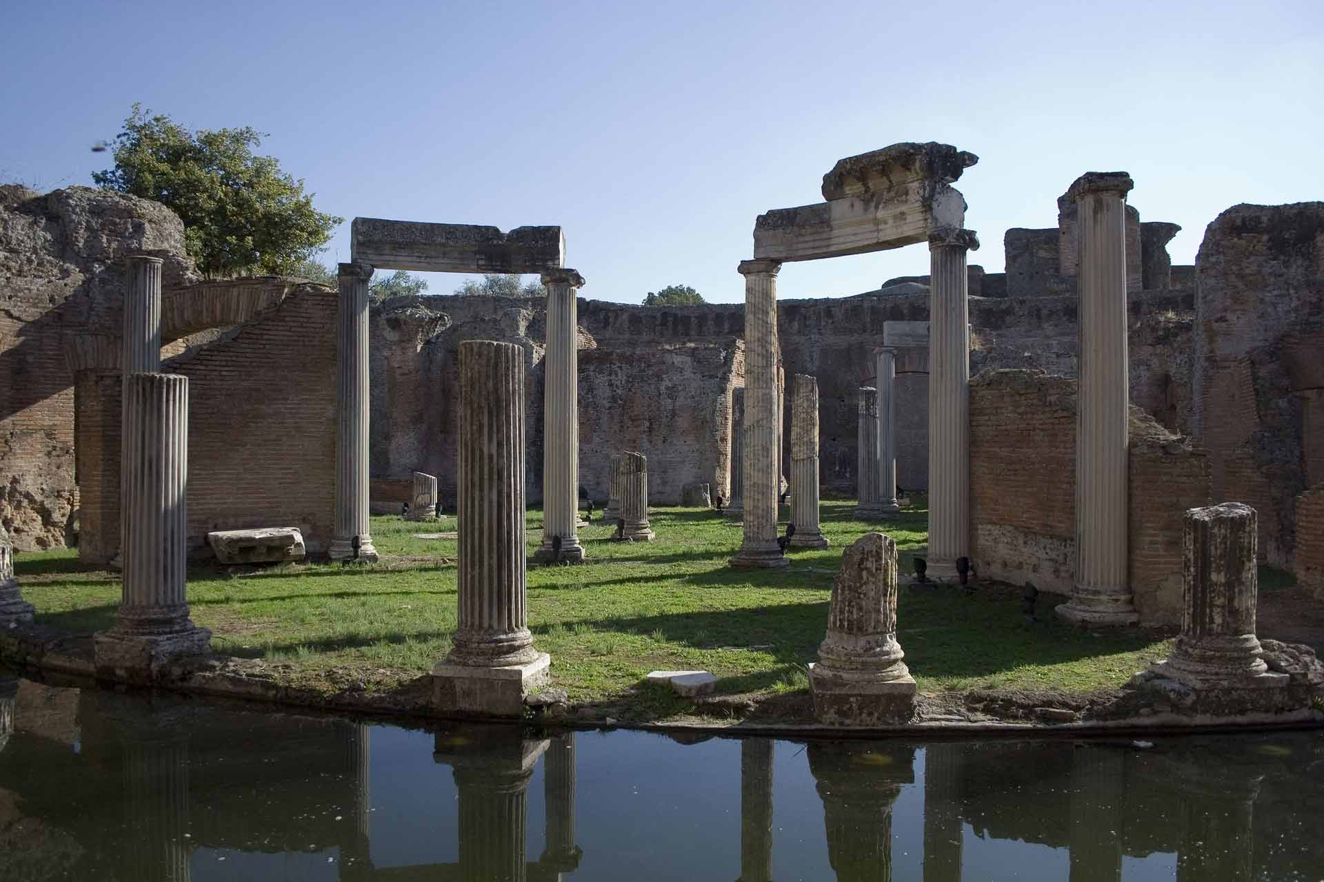 a detail of the so-called Maritime Theater that we will see during our trip to Hadrian's Villa near Tivoli