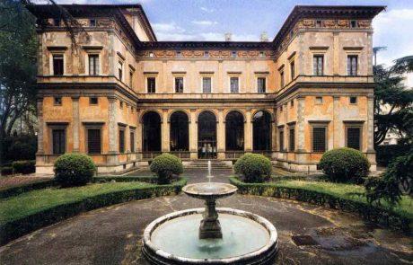 the Villa Farnesina designed by Baldassare Peruzzi for Agostino Chigi: a jewel box of Renaissance art